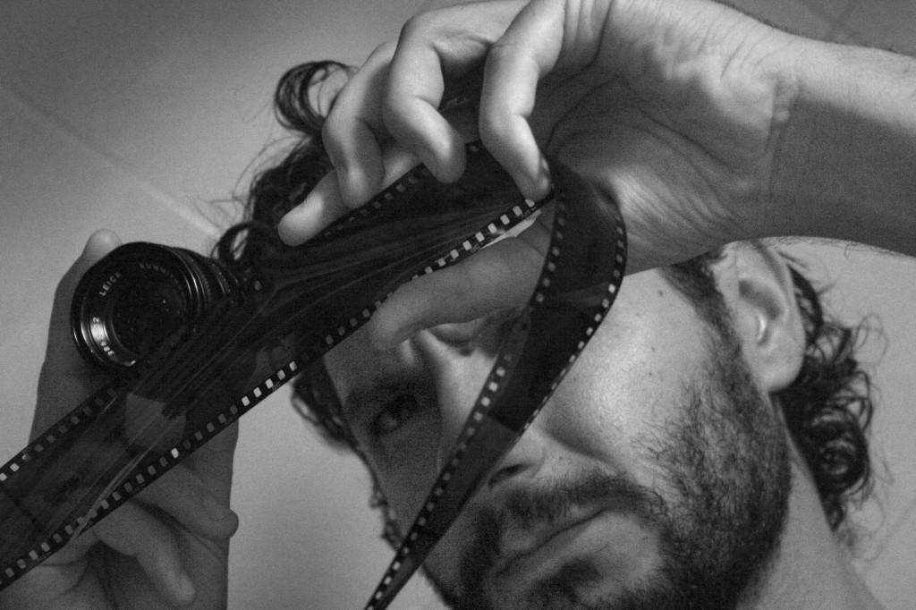 Casares Román o cuando el fotógrafo busca el encanto de lo cotidiano – Noemí González