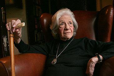Adiós a una dama de la Literatura – Noemí González
