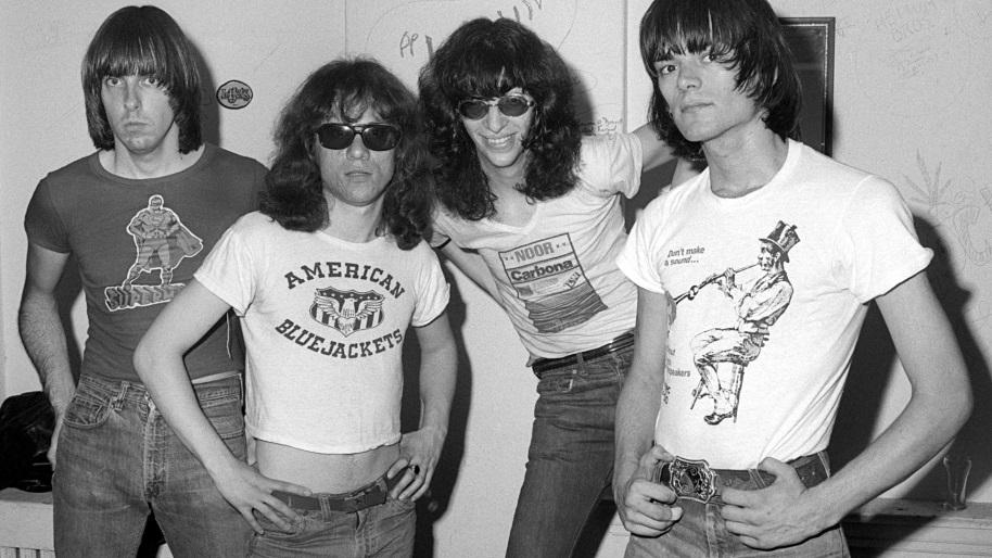 """Adiós amigos: el fin del cuarteto original de """"Ramones"""" – Ricardo Rodríguez"""